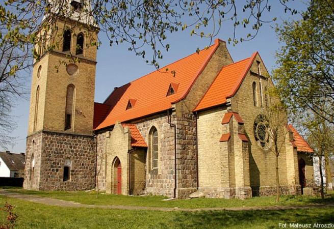 Nowe Objezierze Kościół filialny pw Wniebowzięcia NMP
