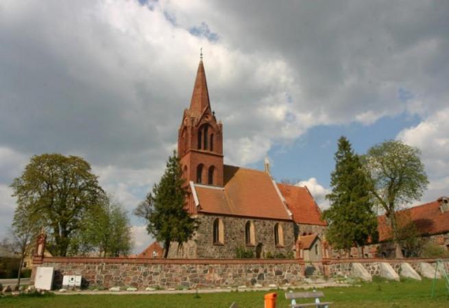 Narost Kościół filialny pw NMP Królowej Polski