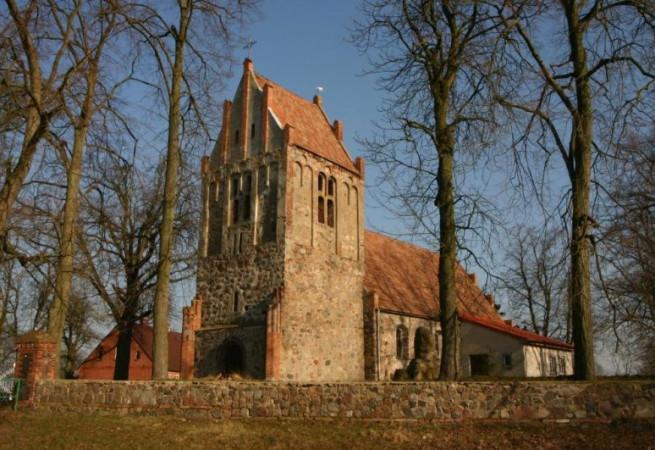 Sądów Kościół filialny pw św.Andrzeja Boboli
