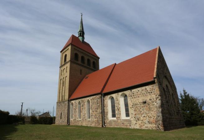 Stare Objezierze Kościół filialny pw Narodzenia NMP