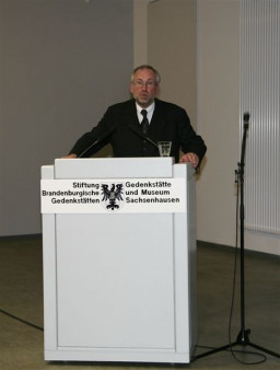 prof. dr Günter Morsch, dyrektor Fundacji Brandenburskie Miejsca Pamięci - gospodarz urocz  /fot.: E. Cybulski /