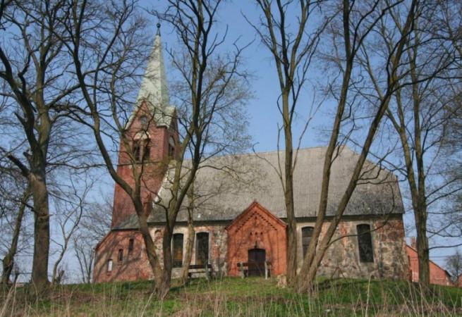 Klasztorne Kościół filialny pw MB Królowej Korony Polskiej