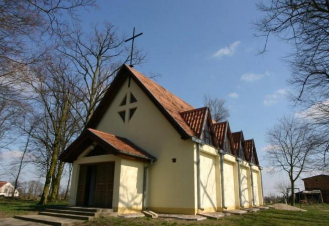 Brzezina Kościół filialny pw Ducha Świętego
