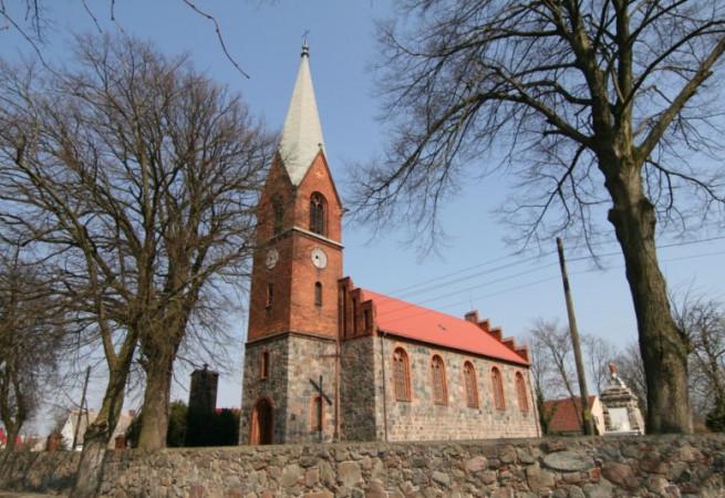 Góralice Kościół parafialny pw św. Stanisława BM