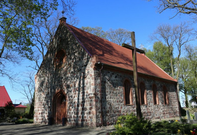 Barnisław Kościół filialny pw św. Stanisława Kostki