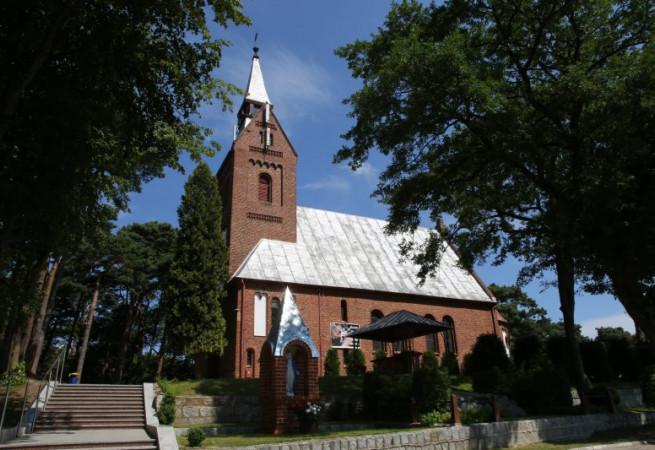 Mrzeżyno Kościół parafialny pw św. Ap. Piotra i Pawła