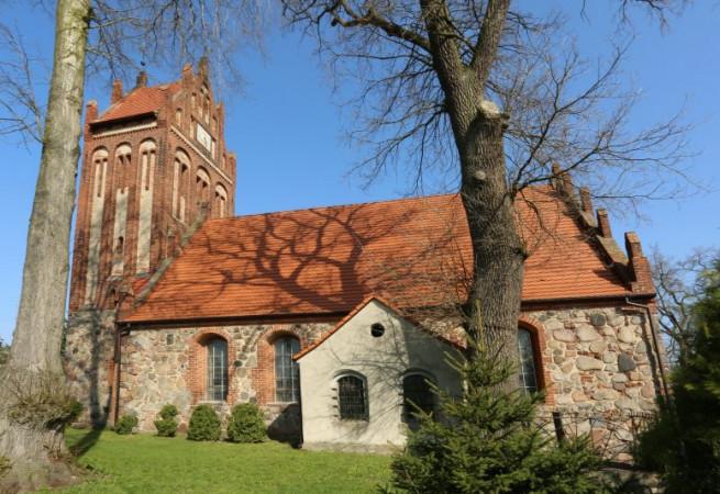 Pęzino Kościół parafialny pw Wniebowzięcia NMP