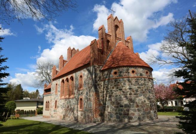 Pilchowo Kościół parafialny pw Wniebowzięcia NMP