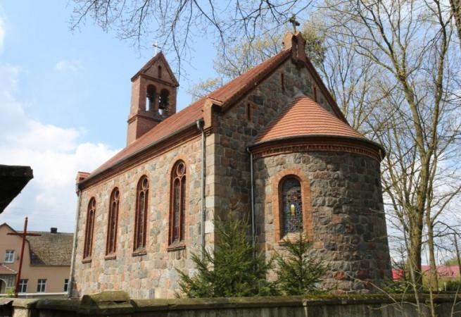 Strzelewo Kościół parafialny pw św. Sylwestra