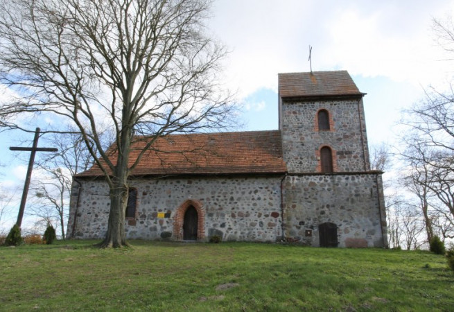Binowo Kościół filialny pw św.Maksymiliana Marii Kolbego