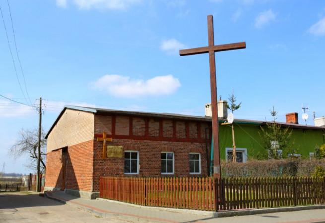 Mirosławice Kaplica pw Królowej Korony Polskiej