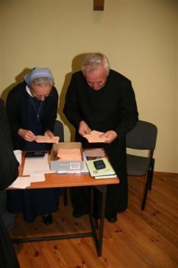 liczenie głosów - dokumento o życiu konsekrowanym  /fot.: E. Cybulski /