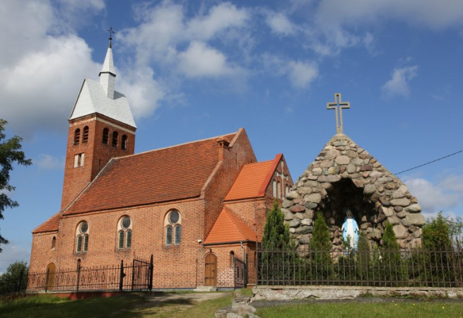 Breń Kościół parafialny pw św. Józefa Oblub. NMP