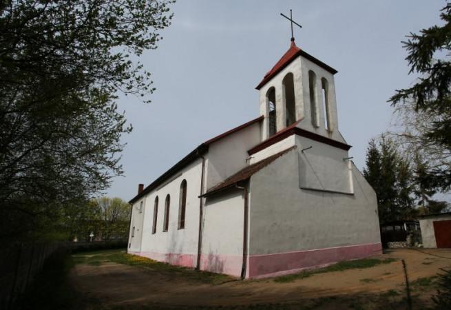 Batowo Kościół parafialny pw Miłosierdzia Bożego