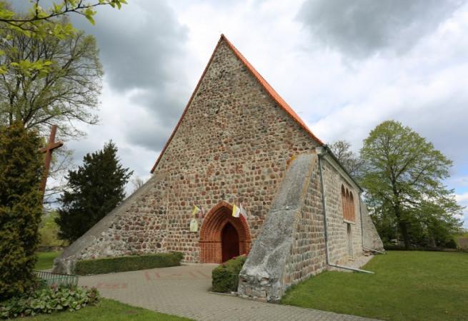 Będargowo Kościół parafialny pw NMP Wspomożycielki Wiernych