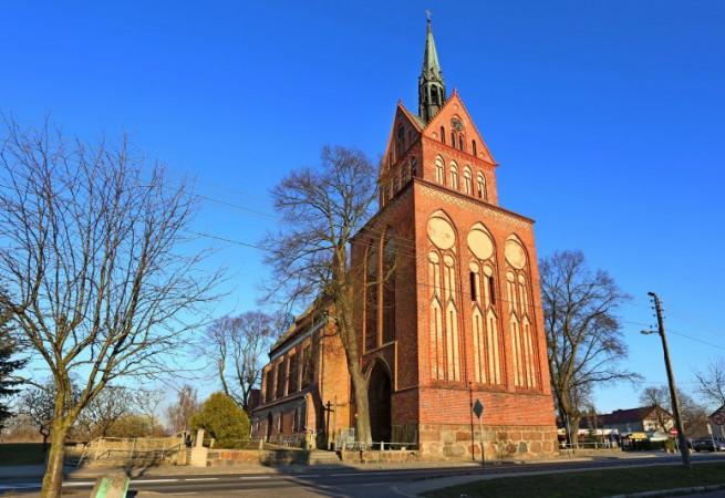 Cerkwica Kościół parafialny pw Najśw.Serca Pana Jezusa