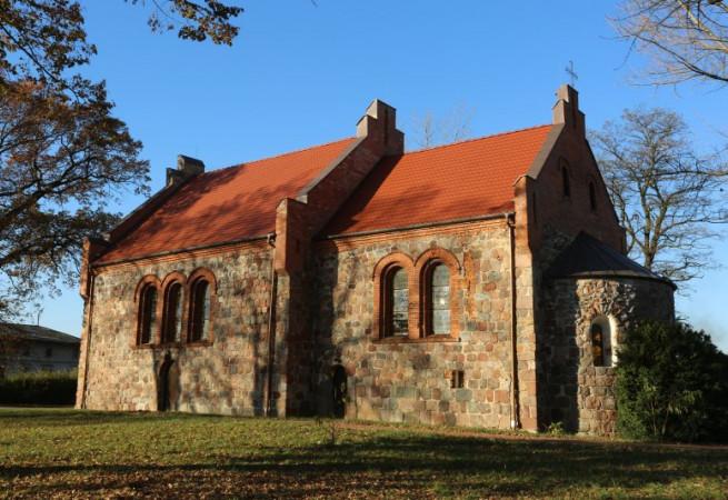 Gardno Kościół parafialny pw Najśw. Serca Pana Jezusa