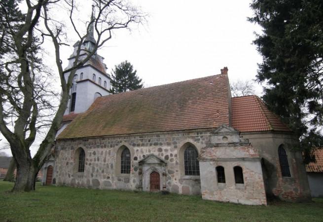 Bodzęcin Kościół filialny pw św.Mikołaja Bp