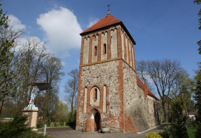 Grzędzice Kościół parafialny pw św.Apostołów Piotra i Pawła