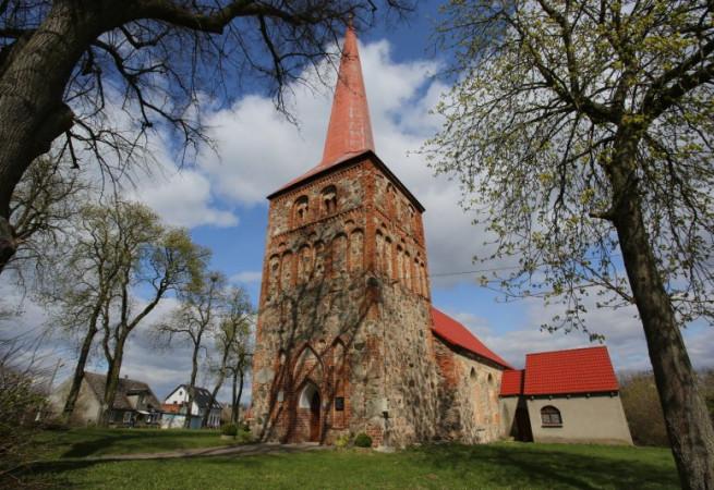 Dzwonowo Kościół filialny pw św. Jana Ewangelisty