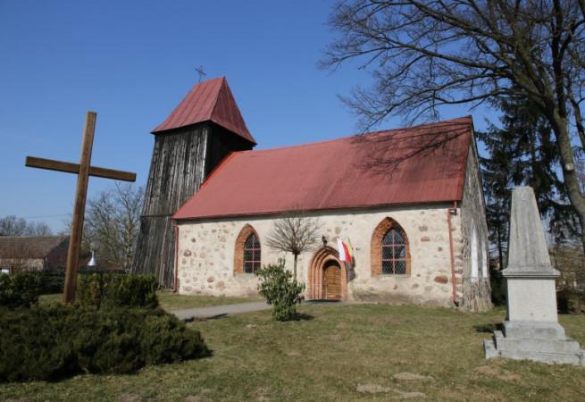 Mokre Kościół filialny pw św.Apostołów Piotra i Pawła