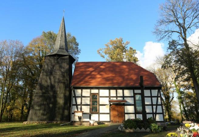 Niemica Kościół filialny pw św. Michała Archanioła