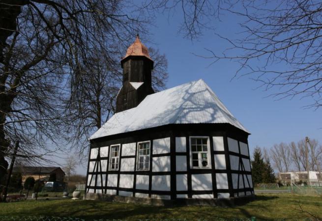 Rekowo Kościół filialny pw św.Apostołów Piotra i Pawła