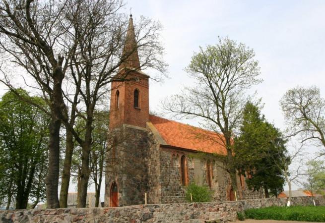 Chrapowo Kościół filialny pw Świętej Rodziny