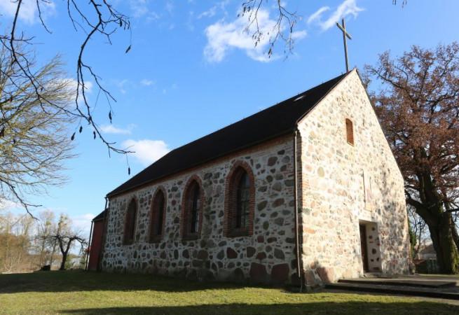 Piasecznik Kościół parafialny pw św. Andrzeja Boboli