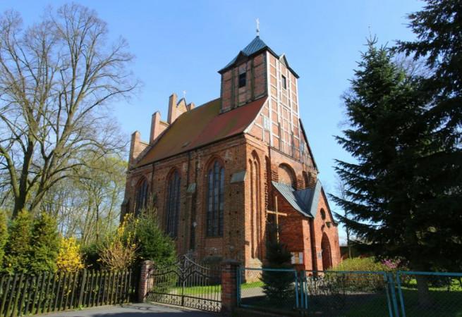 Police Kościół parafialny pw św. Ap. Piotra i Pawła