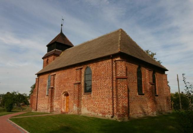 Radowo Wielkie Kościół parafialny pw Najśw. Serca Pana Jezusa