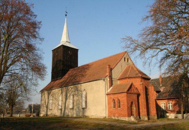 Stare Czarnowo Kościół parafialny pw MB Wspomożenia Wiernych
