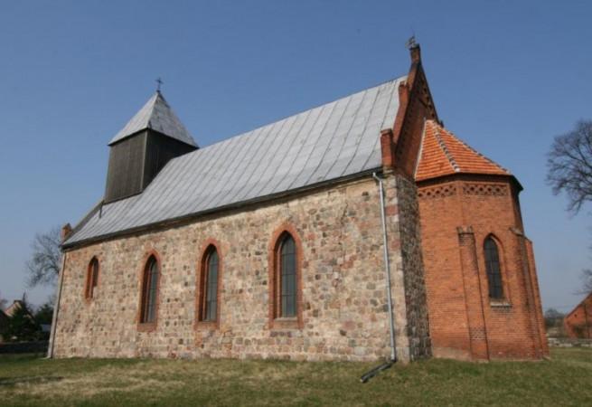 Dłusko Kościół filialny pw Najświętszej Maryi Panny Królowej Polski