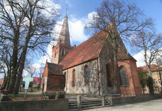 Trzcińsko Zdrój Kościół parafialny pw MB Nieust. Pomocy