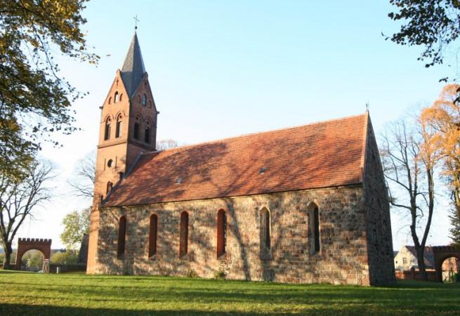 Strzeszów Kościół filialny pw Narodzenia NMP