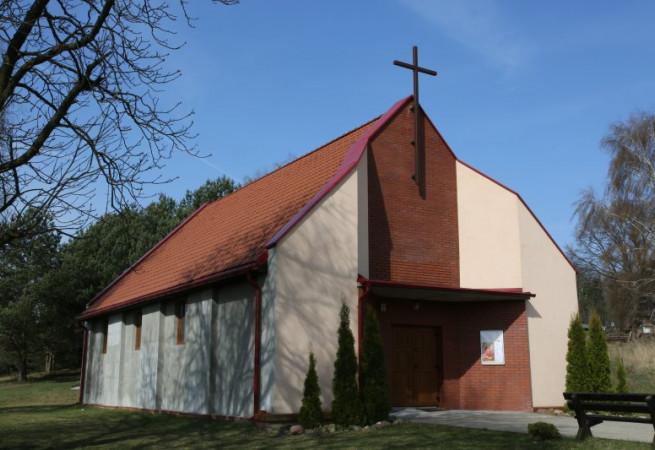 Warnowo Kościół filialny pw Wniebowzięcia NMP