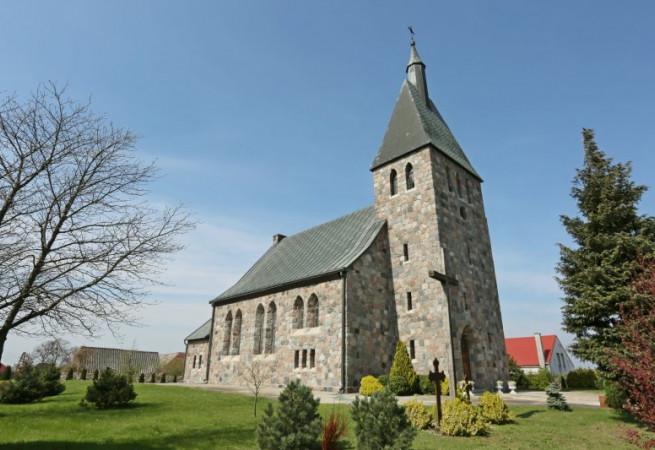 Zieleniewo Kościół parafialny pw św. Jadwigi Śląskiej