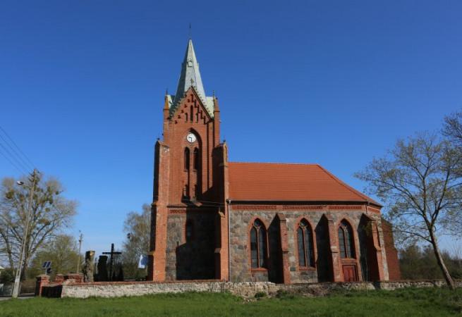 Potuliniec Kościół filialny pw św. Michała Archanioła