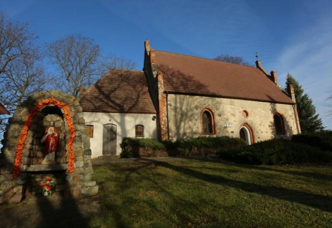 Lubiatowo Kościół filialny pw MB Nieustającej Pomocy